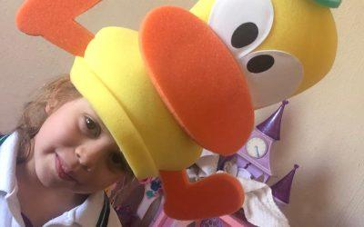 Centro Educativo MI MUNDO. Crazy Hats